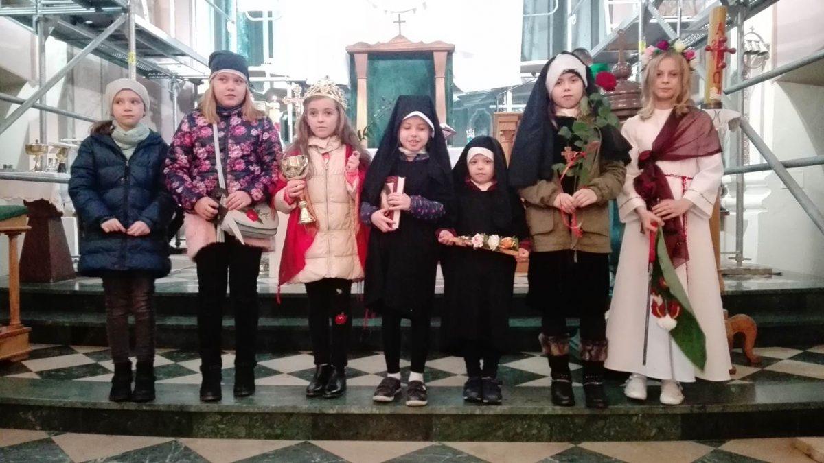 Święci w kościele parafialnym-Parafia Puchaczów (8)